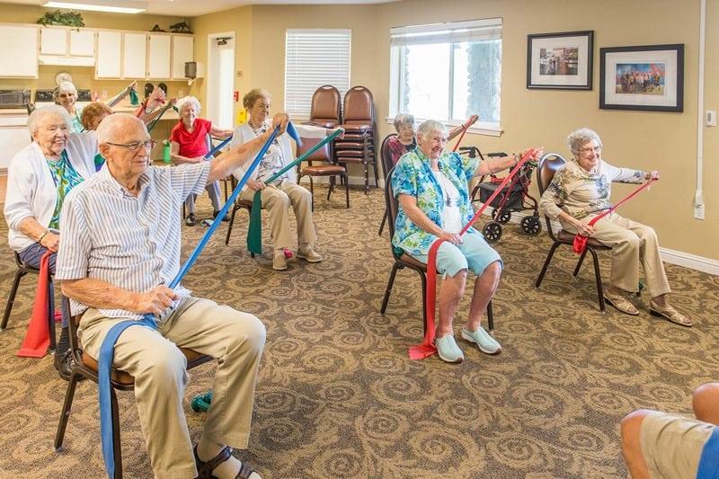 Retirement Living in Folsom CA - Creekside Oaks Senior