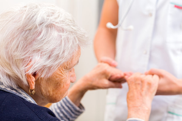 Key Differences Between Personal Care, Memory Care, and Assisted Living