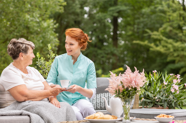 Community Living Can Better Suit Memory Care Needs Than In-Home Options